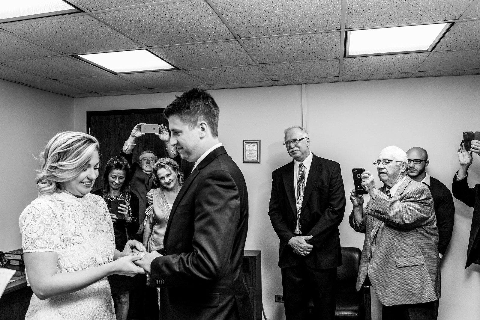 chicago courthouse wedding photo