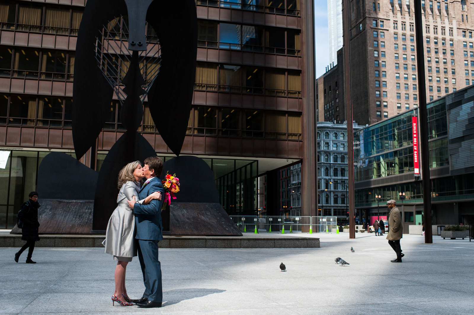 chicago wedding photo picasso downtown