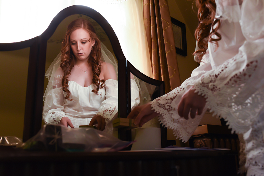 Bridal prep at Redfield Estate by Candice Cusic