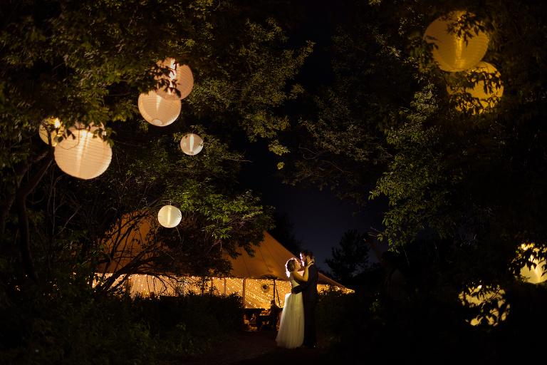 tent wedding photography